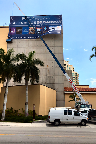 Hydraulic Crane & Rigging Services for Commercial Signs in Miami FL